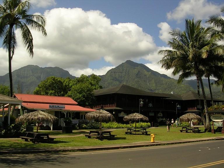 1024px-Hanalei,_Kauai_HI