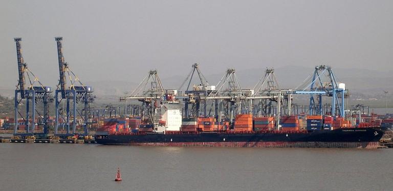 1024px-Mumbai_container_terminal_from_Elephanta_Island
