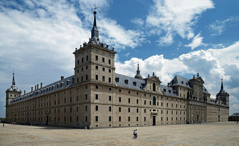 1200px-El_Escorial_View_from_the_north-west