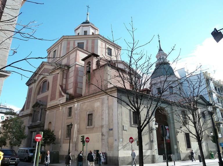 1200px-Iglesia_de_San_Sebastián_(Madrid)_01
