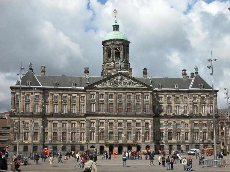 1200px-Koninklijk_Paleis_Amsterdam
