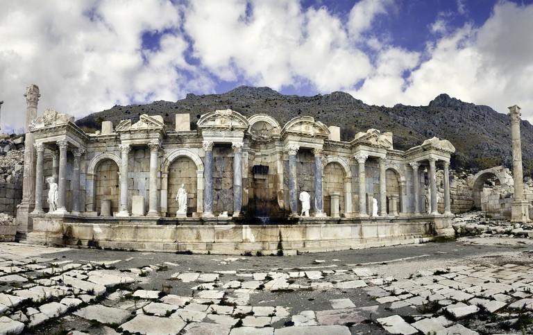 The Antonine Nymphaeum in Sagalassos