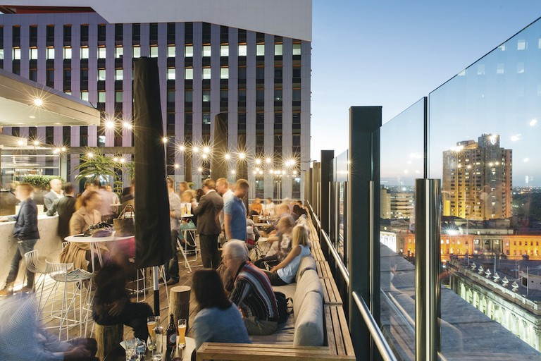 2KW rooftop bar in Adelaide © 2KW