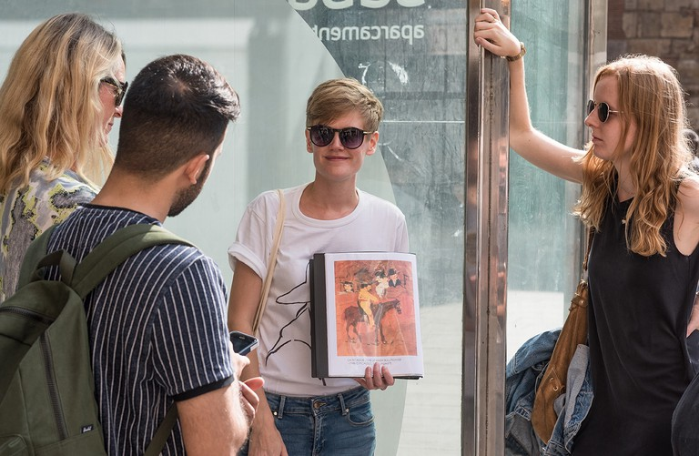 Kat Affleck conducting one of her ArtSpace tours in Barcelona