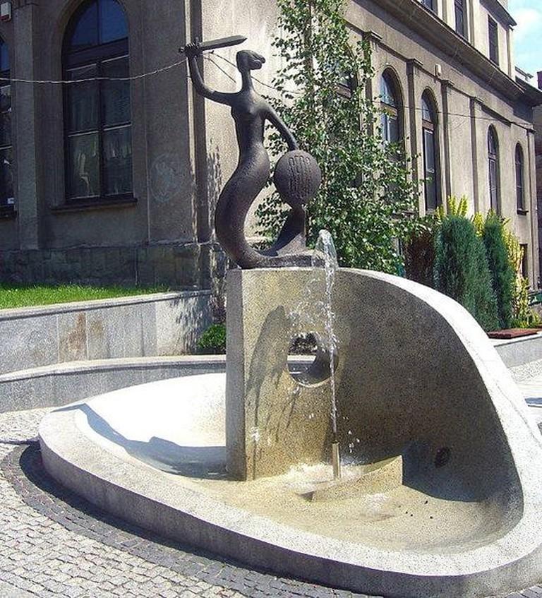 543px-Bielsko-Biała,_Pomnik_Syrenki_-_fotopolska.eu_(14083)