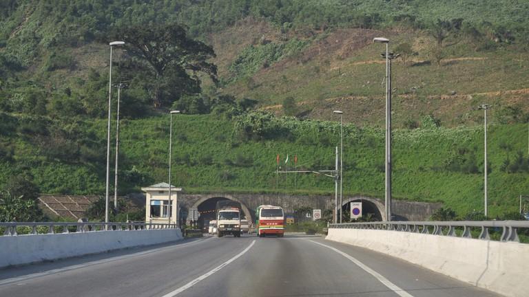 Hai_Van_Tunnel