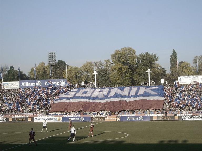 800px-Fanchoreographie_im_Zabrzer_Ernest_Pol_Stadion