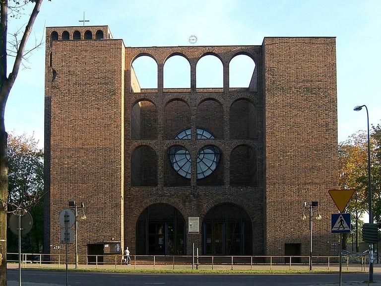 800px-Zabrze_St._Joseph's_Church_facade