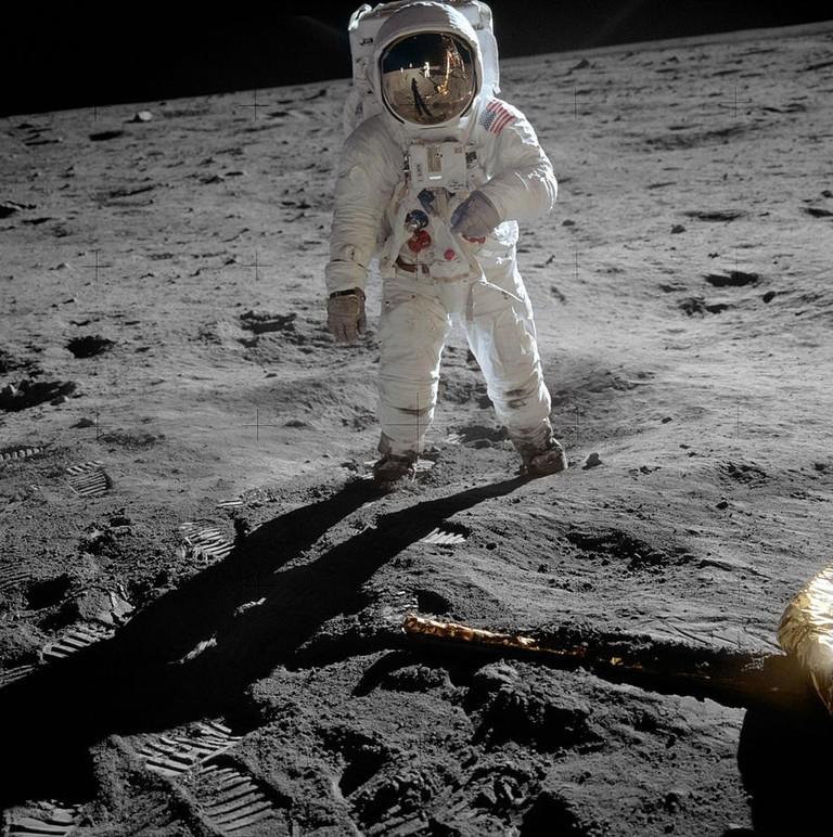 895px-Aldrin_Apollo_11_original