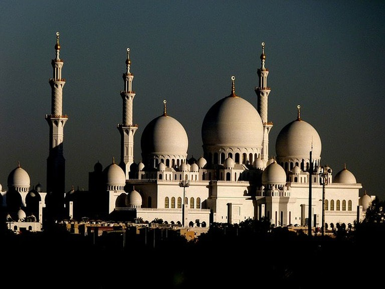 Take this opportunity to visit Abu Dhabi's most iconic attractions, from the Sheikh Zayed Grand Mosque to Ferrari World