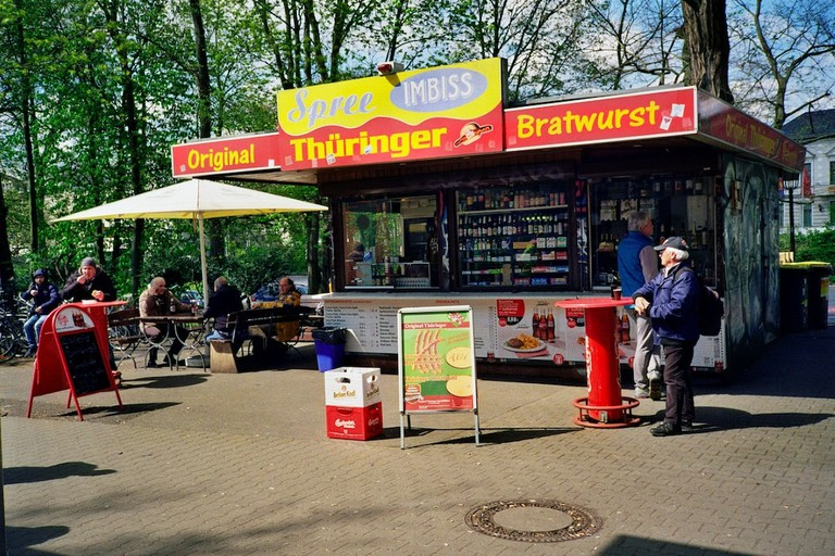 An original bratwurst stand at the Treptower Park train station | © Ama Split and Riky Kiwy