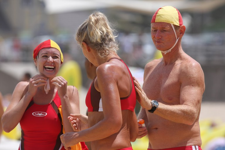 Aussie lifesavers laughing © Eva Rinaldi / Flickr