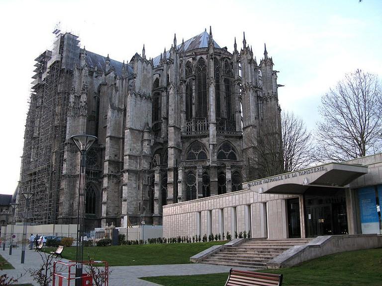 Beauvais_cathédrale_et_Galerie_Nationale_de_la_Tapisserie
