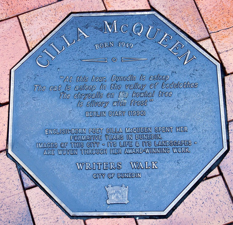 Cilla_McQueen_memorial_plaque_in_Dunedin