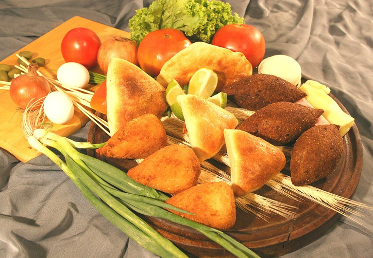 Kibe pastel and coxinha plate