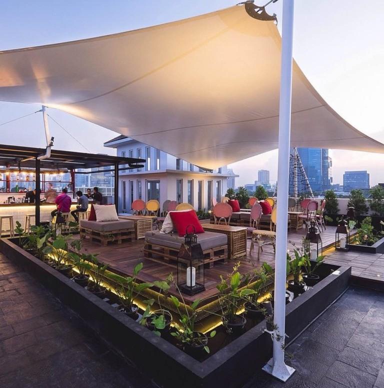 porqueno 8_Outdoor_deck_Rooftop