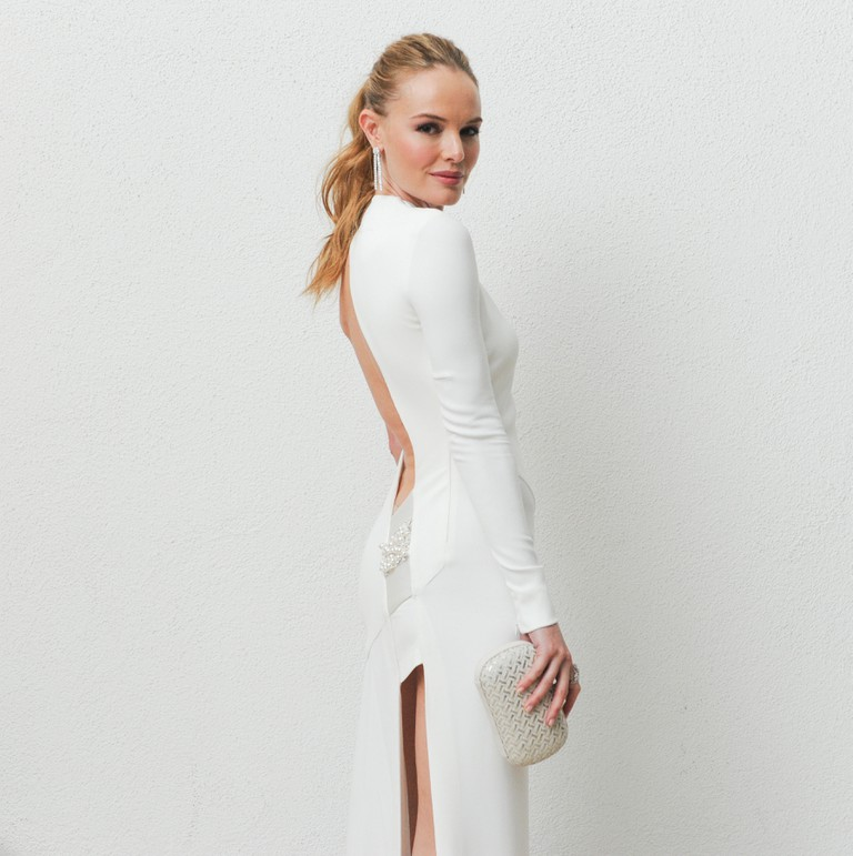 Kate Bosworth with the 'intrecciato' woven knot clutch