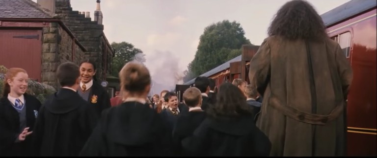 Hogsmeade Station in action