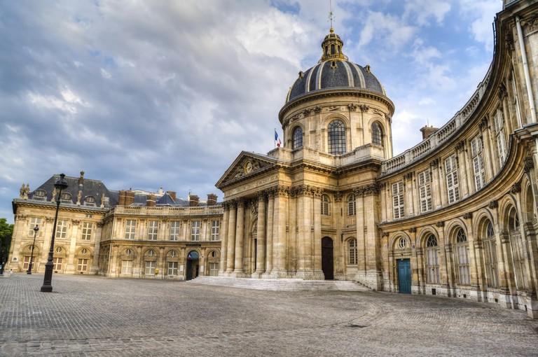Luxembourg Palace, Paris  © Robert Crum / Shutterstock