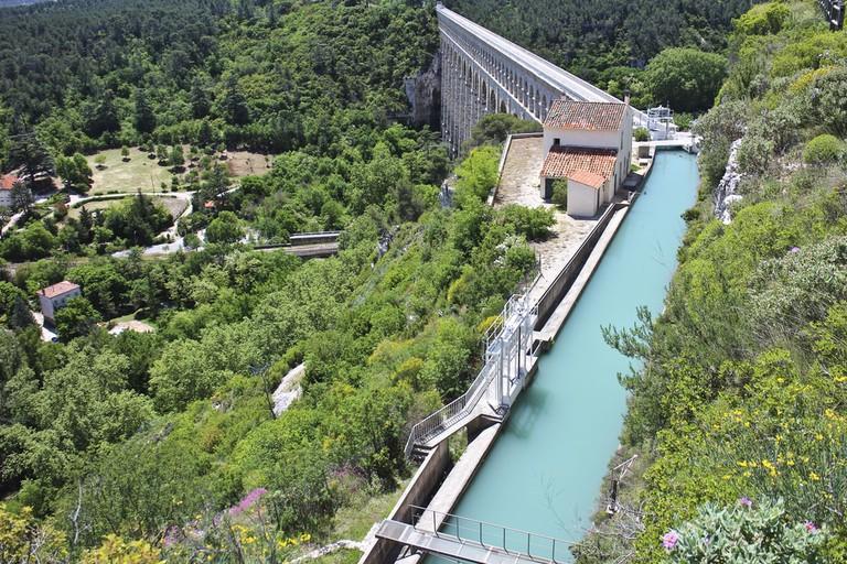 The aqueduct of Roquefavour, France |© Momsarev / Shutterstock