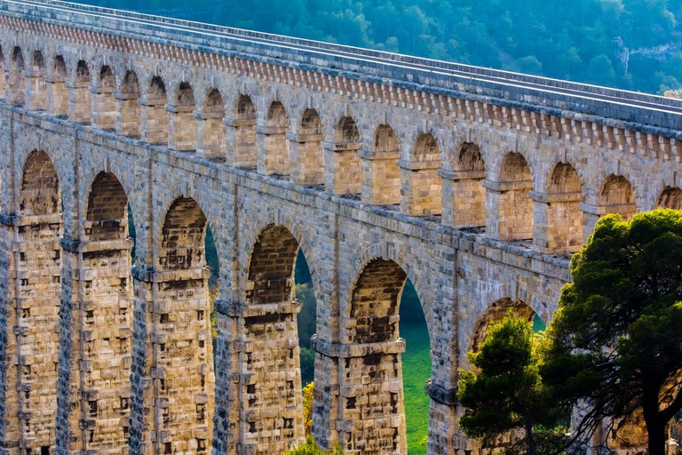 Aqueduct of Roquefavour, France |© Philippe PATERNOLLI / Shutterstock