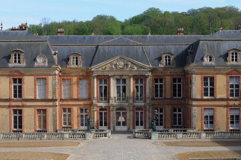 Castle of Dampierre, France  © Pack-Shot / Shutterstock