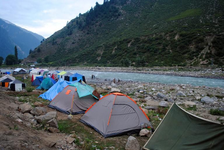 Riverside camping, Naran