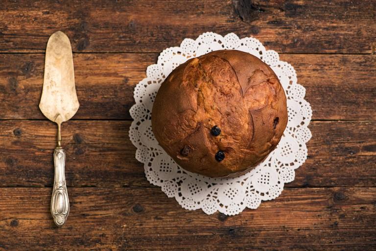 Panettone, this classic Christmas sweet bread originated in Milan, Italy | © Fabio Balbi/Shutterstock
