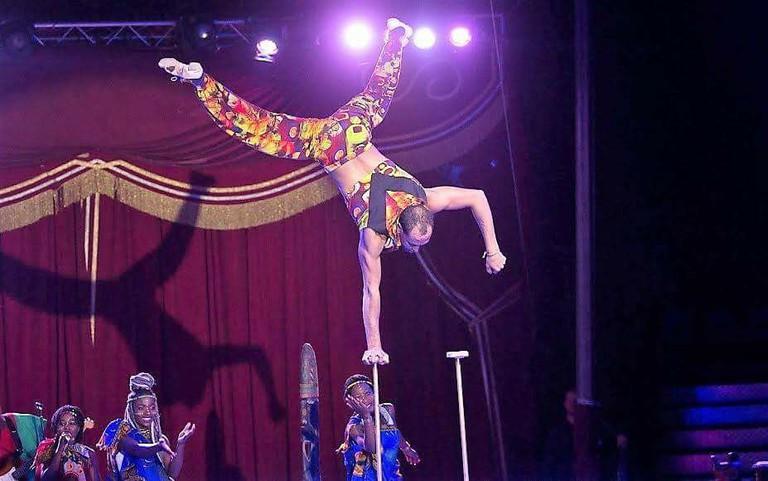 Tameru Zegeye during a circus performance in Nuremberg