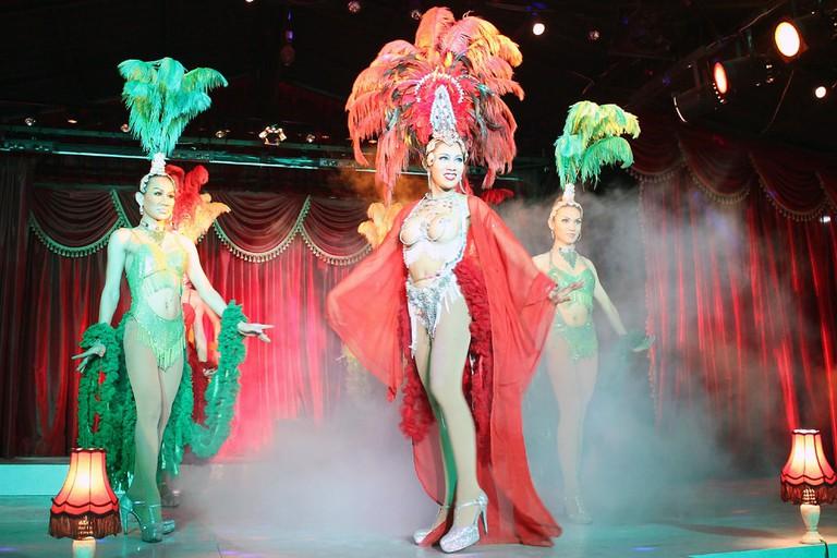 Thai-Cabaret-show_wIMG_5013