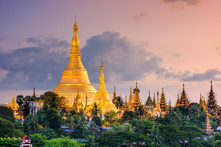 View-of-the-Shwedagon-Pagoda-at-Dusk
