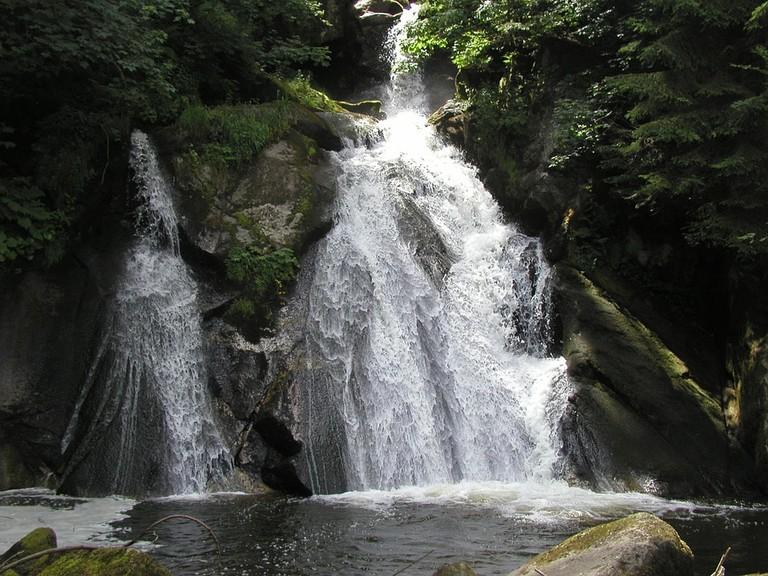 waterfall-599562_960_720