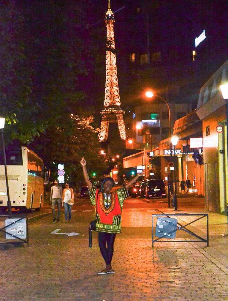 A young Nigerian spotted wearing dashiki at the Eiffel Tower