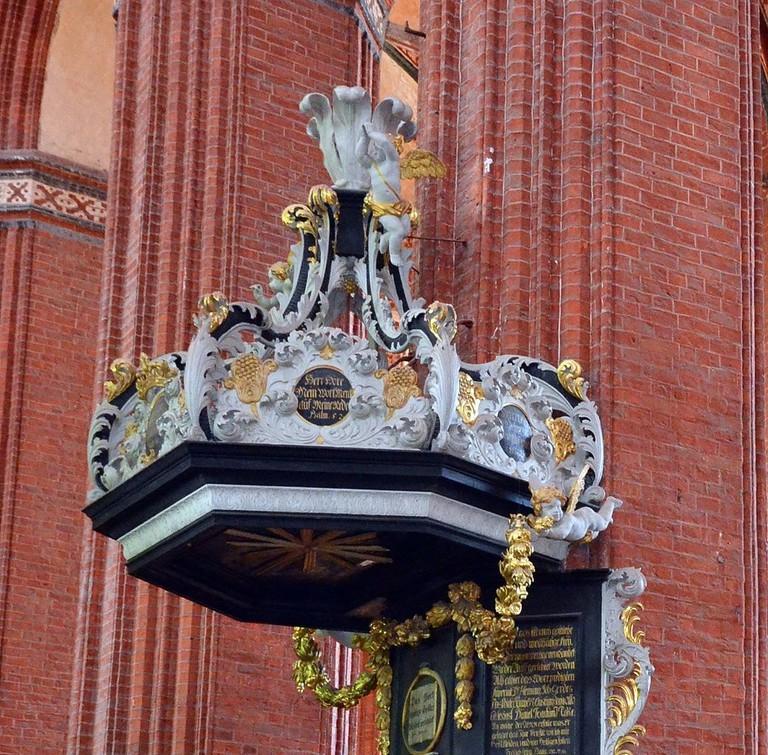 Wismar,_St._Nikolai,_der_Kanzelkorb (1)