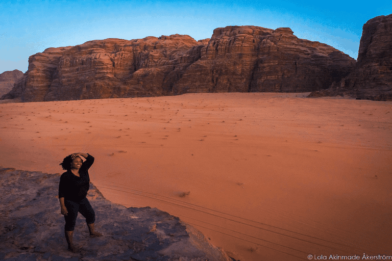 Lola Akinmade in Jordan