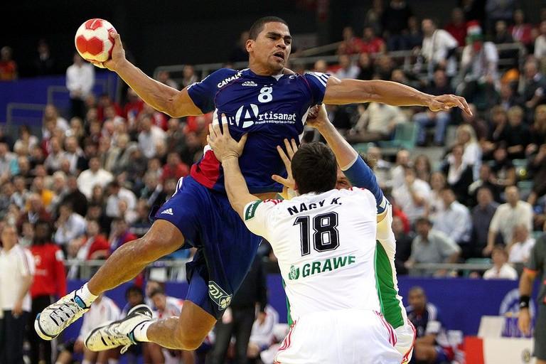 1024px-FRA_vs_HUN_(02)_-_2010_European_Men's_Handball_Championship