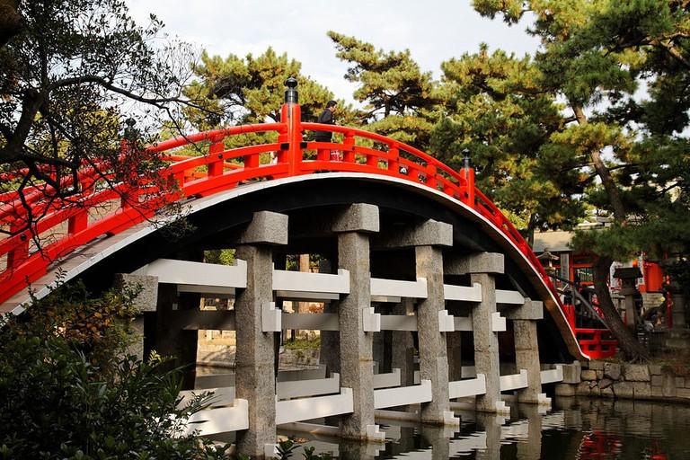 Sumiyoshi_Taisha_Taikobashi_(drum_bridge)_osaka