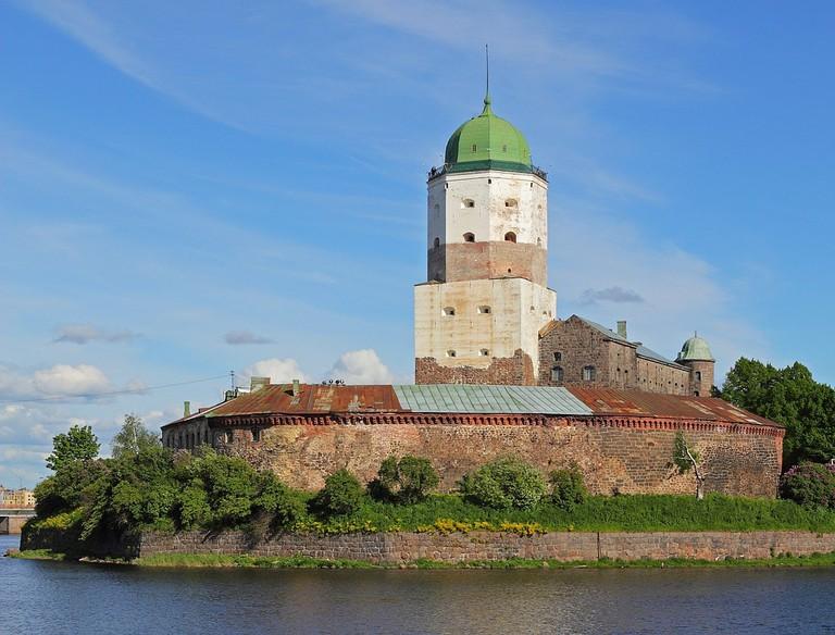 1184px-Vyborg_06-2012_Castle_06