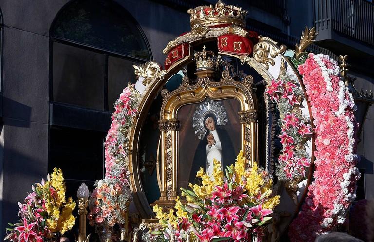 1200px-Madrid_-_Fiestas_de_la_Paloma_-_20070815-20