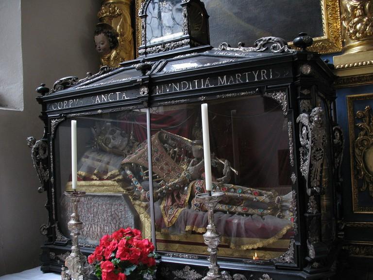 1280px-2350_-_München_-_St_Peterskirche