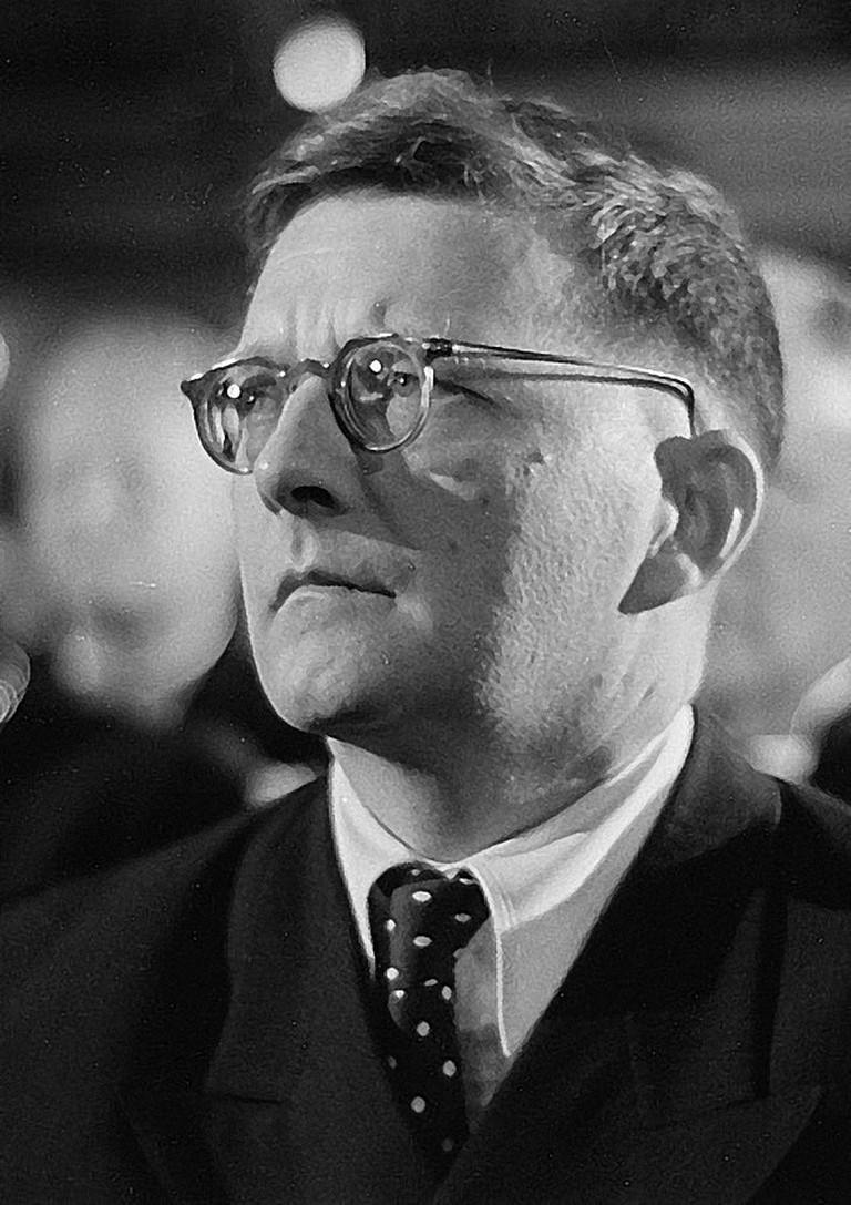 636px-Dmitri_Shostakovich_credit_Deutsche_Fotothek_adjusted