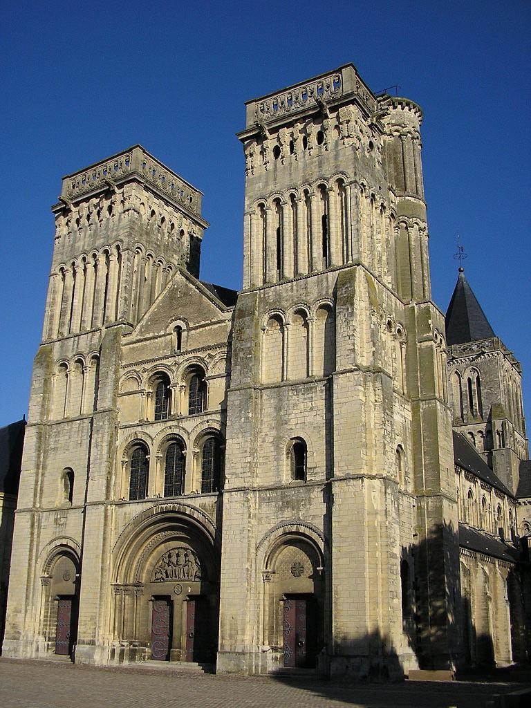 768px-Abbaye_aux-dames_caen