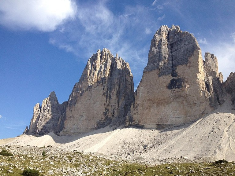 800px-Tre_Cime_di_Lavaredo_Late_Afternoon_View