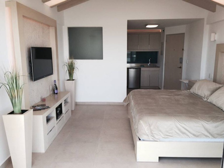 Rodrigo's Cancun Airbnb