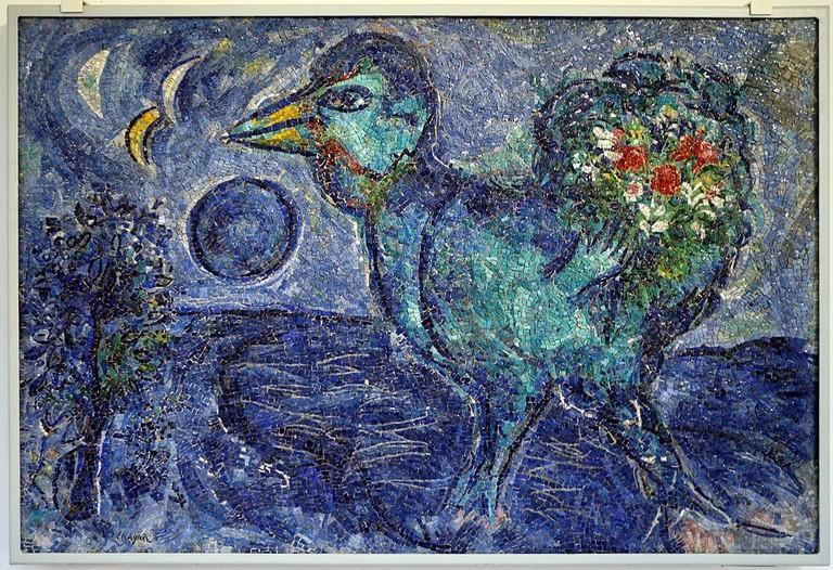 Antonio_rocchi_su_dis._di_marc_chagall,_le_coq_bleu,_1958-59