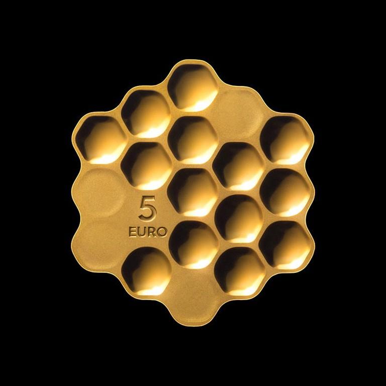 arthur-analts-honeycomb-coin-2