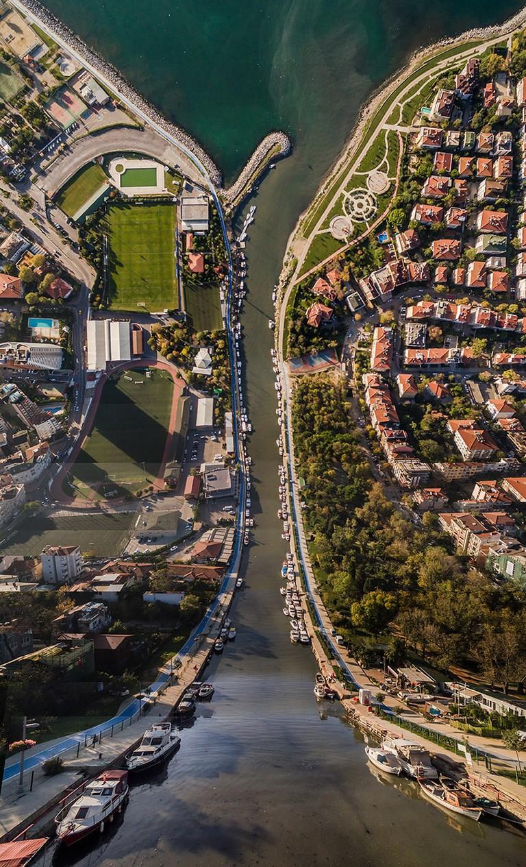aydin-buyuktas-flatland-warped-cityscapes-designboom-07