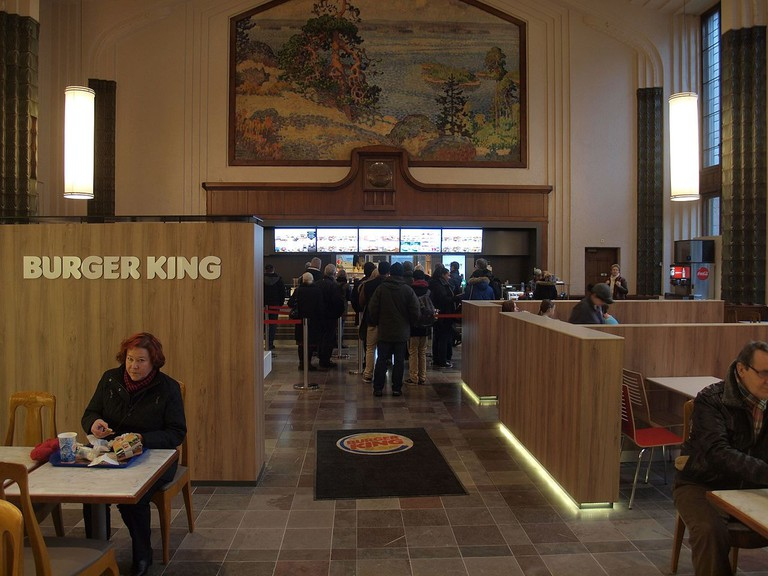 Burger_King_at_Helsinki_Central_railway_station