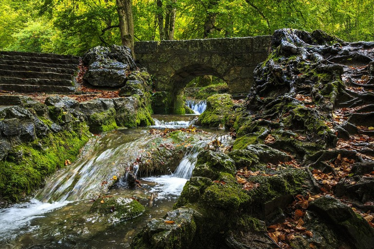 creek-2825060_1280