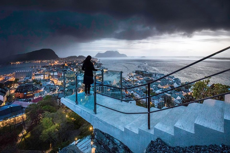 The 418steps to Mt Aksla Viewpoint i Ålesund. Photo by Arnfinn Tønnesen Photography, Courtesy of Ålesund & Sunnmore